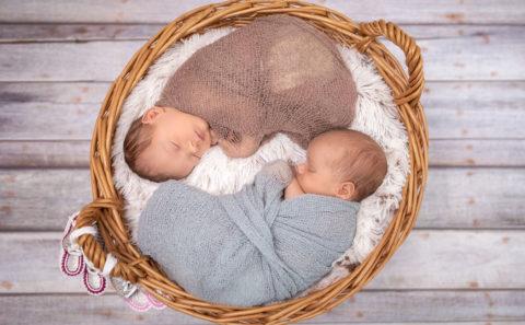 Fotostyle Schindler / Fotograf aus Straubing / Zwillinge / Newborn / Babyfotografie / Newbornfotograf