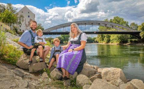 Familie / Family / Paarshooting / Schwangerschaft / Newborn / Fotostyle Schindler / Straubing www.fotostyle-schindler.de /